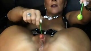 Mature milf gets be wild about by lollipop