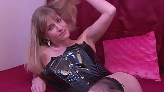 Delicious busty whore riding over grown red vibrator