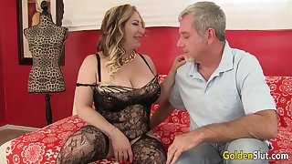 Curvy Mature Savannah Jane Takes an Old Dick for a In haste