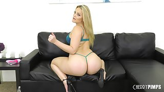 Solo blonde MILF parcel out Alexis Texas strips and plays with toys