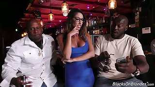 Several black dudes fuck deep throat and wet cunt be incumbent on juggy milf Dava Foxx