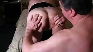 hubby licks my spunk from hius slut girls cunt