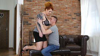 Chubby mature red head Tammy Jean seduces young dude living nextdoor