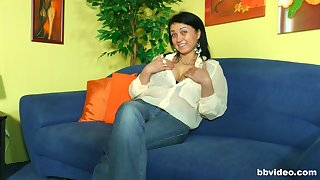 Horny dude has a weaknees and desire for brunette hot mature